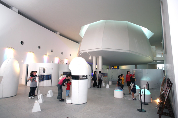 内観(展示ホール)