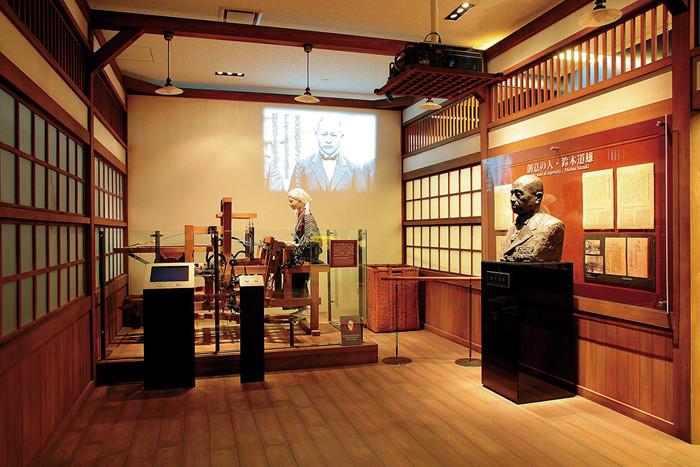 歴史展示:初代織機