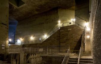 まるで地下神殿のような異次元空間が広がる!映画やドラマのロケ地としても知られる『大谷資料館』