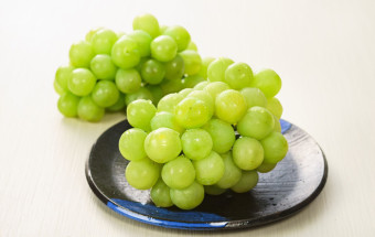 大粒でびっくり!しかも種なしで甘い、岡山生まれの「桃太郎ぶどう」