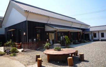 全国でも唯一の、酒蔵を改装した街の映画館『深谷シネマ』