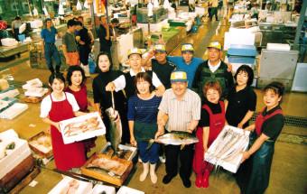 寿司やフグがお手頃価格で楽しめる!目にも舌にも楽しい山口県の「唐戸市場」