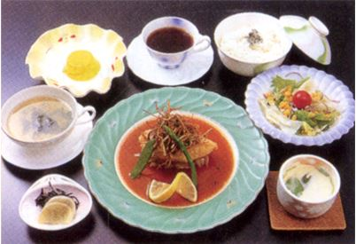 ふぐのステーキセット 1,590円(税込)