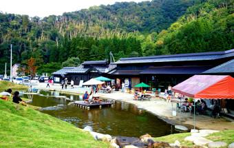 温泉施設も隣接する、アウトドアアクティビティの拠点『道の駅 みつまた』(新潟県)