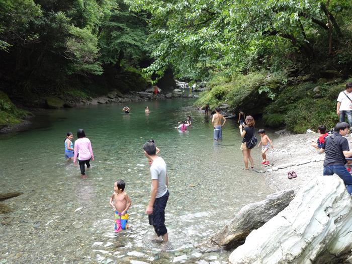 天然温泉やコテージも併設された...