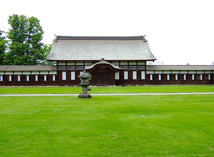 僧堂(写真提供:高岡山瑞龍寺)