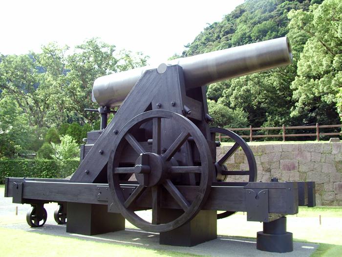 150ポンド砲(レプリカ)