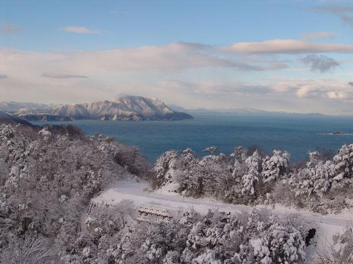 冬の久須夜ヶ岳方面