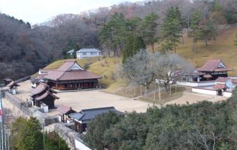 江戸時代初期に岡山藩主・池田光政によって創設され、「現存する世界最古の庶民のための公立学校」と言われる『特別史跡旧閑谷学校』