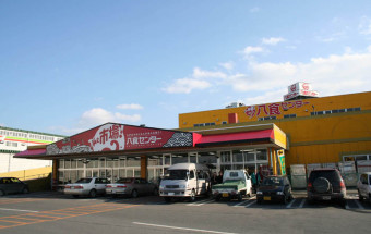"""「イカの水揚げ日本一」を誇る八戸の""""食のテーマパーク""""『八食センター』"""