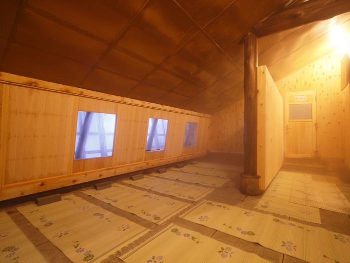 温熱浴 大浴場に併設しています。