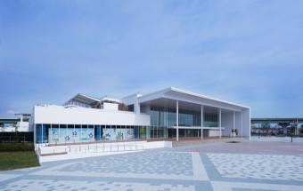 """豊かな三陸の海を再現した大水槽や東北最大級のパフォーマンスプールを備えた、""""復興を象徴する""""新しい水族館がオープン!『仙台うみの杜水族館』"""