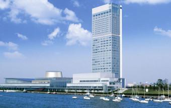地上125mの展望室は本州日本海側で随一の高さ。新潟市街はもとより佐渡島や五頭連峰を眺望する360度のパノラマは圧巻!『Befcoばかうけ展望室』