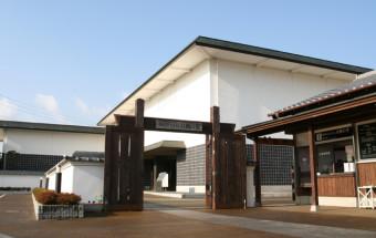 鎌倉時代から続く刀鍛冶の本場の歴史・文化がここに集約!常時40口の刀剣を展示するほか、毎月第2日曜日には古式鍛錬も公開される!『備前長船刀剣博物館(びぜんおさふねとうけんはくぶつかん)』