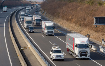 「トラック隊列走行実証実験」ルポ~トラックの自動運転はなにをもたらすのか?(前編)