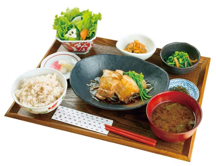 村定食(煮豚)