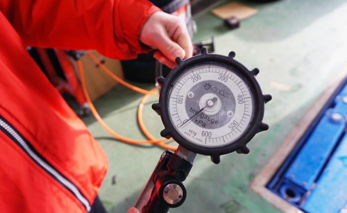 空気圧計測器web
