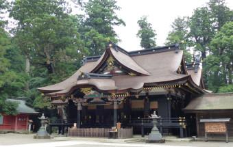 """創建はなんと紀元前600年以上前の神武18年。全国約400社という香取神社の総本社にして、""""武道・建国の神""""が鎮まる『香取神宮』"""