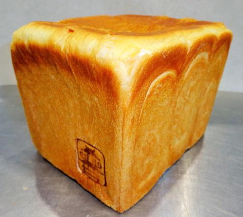 レスティ唐古・鍵 黄金の生食パン極 3