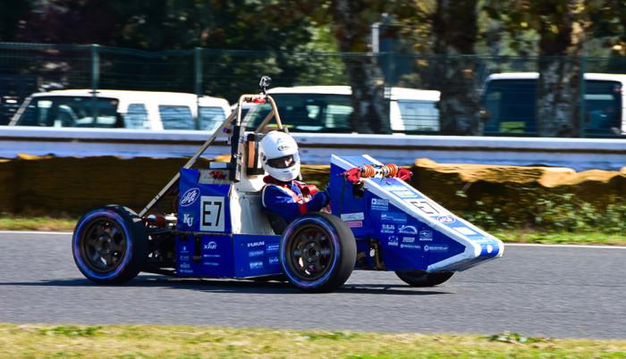 神奈川大学のKF-04EV。第16回全日本学生フォーミュラ大会に出場した車両。