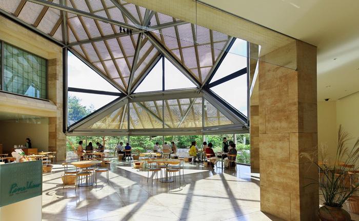 喫茶「Pine View」美術館棟